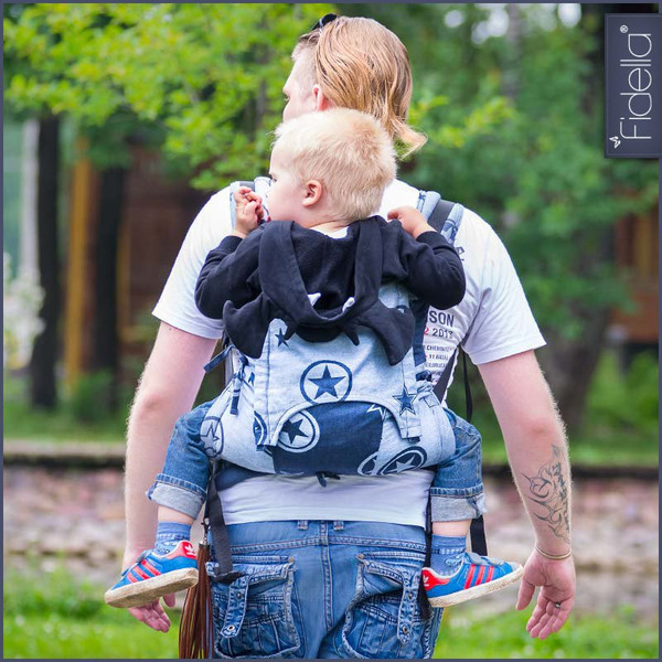 Porteo a la espalda con mochila Fidella Fusion Toddler size