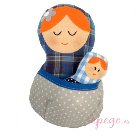 Matrioska juguete de porteo azul gris