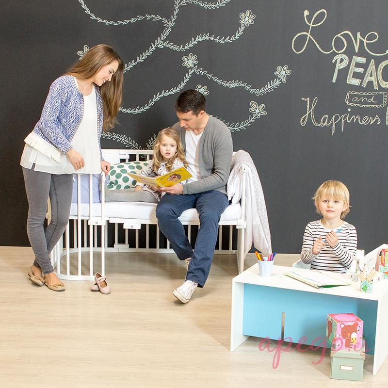 Sofá infantil con minicuna Babybay Maxi y extensión
